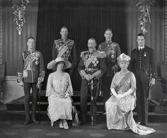 King George V and Queen Mary with their children