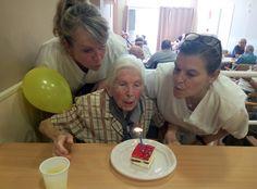 Dia d'aniversaris a la residència de gent gran Blanes!