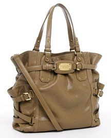 Michael Kors Gansevoort Tote my newest bag but I got mine in vanilla with rose gold hardware. It's gorgeous!!!!