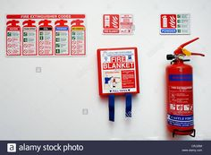 fire-blanket-extinguisher-and-signage-on-a-white-wall-england-uk-CRJ25M.jpg (1300×955)
