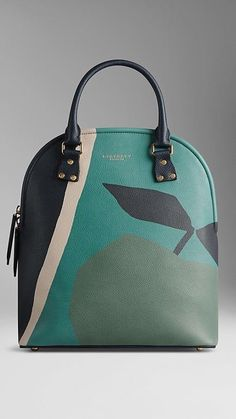 74085e2716fb These Are the Bags We ll Be Buying From Paris Fashion Week ...