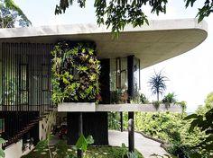 Jesse Bennett Architect   Planchonella House