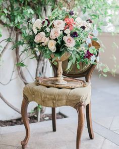 We cannot get enough of these garden flowers with a vintage touch. (Venue: @villaandvine Design Coordination Floral Artistry: @burlapandbordeaux Photography: @stevenleyvaphoto Vintage Furniture Rentals & Styling: @mylovelyevents @remii3 Tabletop & Chair Rentals: @venturarental Linens: @dreamsamerica Model: #RemingtonCarillo Bridal Top: Private Collection Bridal Skirt: #ChristianneTaylor Jewelry: @c2ccollectionsb Hair & Makeup: @larouge_artistry Hand Lettering: @the_lazy_creative)