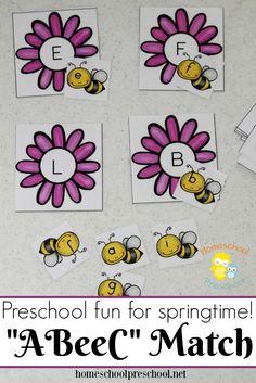 This preschool alphabet matching game is perfect for your spring activities! Your little learners will love helping each bee find its home! | homeschoolpreschool.net via @homeschlprek