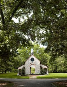 du Pont-- Du Pont descendant Frolic Weymouth designed a family chapel in Greenville, Delaware