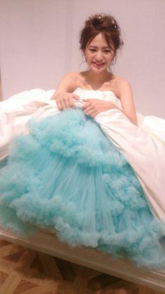  カラーパニエ プリムベール  鮮やかなcolorで花嫁を彩る 【カラーパニエ】 ドレスの裾を持ち上げる仕草もcuteなカラーパニエ♡まもなくショップでのレンタルがスタートします。