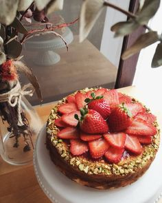 Strawerry Cheesecake with Pistachios
