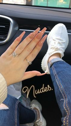 top awesome coffin nails design 2019 you must try 24 ~ thereds.me top awesome coffin nails design 2019 you must try 24 ~ thereds. Perfect Nails, Gorgeous Nails, Pretty Nails, Fancy Nails, Best Acrylic Nails, Acrylic Nail Designs, Brown Acrylic Nails, Long Square Acrylic Nails, Classy Acrylic Nails