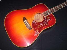 Gibson / Hummingbird / 1968 / Sunburst / Vintage Guitar