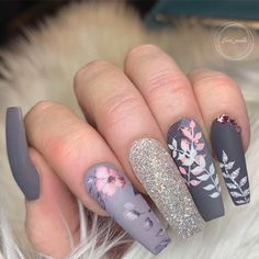 Spring Fever Nails - 50 Super Cute Spring Nails Do you have Spring Fever? You should because today is the first day of Spring! This is why we found 50 of the cutest Spring Nails for you to enjoy with us. Cute Spring Nails, Spring Nail Colors, Spring Nail Art, Nail Designs Spring, Cute Nail Designs, Summer Nails, Winter Nails, Gorgeous Nails, Pretty Nails