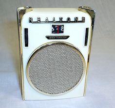 "Realtone TR-803 ""Valiant""    This very tiny pocket radio is a Realtone ""Valiant"". Nicknamed the ""blades"" radio by collectors.    Also found branded as: Hudson, Cronovox and Supreme.    circa 1960-61. copyright Michael Jack 2012"