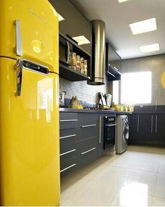 Ô louco meu tô em xonas realoficial por essa cozinha maravideusa. Projeto: Autor Desconhecido.