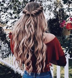 Aimez ce que vous voyez? Suivez-moi pour plus: uhairofficial - Coiffure Sites Hair Day, New Hair, Your Hair, Pretty Hairstyles, Easy Hairstyles, Cute School Hairstyles, Hairstyles For Curly Hair, Spanish Hairstyles, 1980s Hairstyles