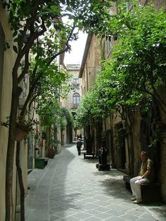 Orvieto, Italy. My favorite place in Italy!
