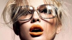 Eye makeup mistakes for girls who put on glasses Thin Eyeliner, Brown Eyeliner, Halloween Eye Makeup, Halloween Eyes, Best Makeup Tips, Best Makeup Products, Coral Makeup, Corrective Makeup, Makeup Mistakes