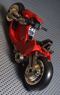 Scale model of Kaneda's Powerbike form Akira Concept Motorcycles, Custom Motorcycles, Custom Bikes, Cars And Motorcycles, Motorcycle Design, Motorcycle Bike, Bike Design, Motorcycle Workshop, Garage Design