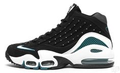 Nike Air Griffey Max II Fresh Water - Baseball kicks i used to own back in the days.im working on buying the retro now Nike Shoes For Sale, Nike Shoes Cheap, Nike Free Shoes, 90s Nike Shoes, Cheap Nike, Best Sneakers, Sneakers Fashion, Shoes Sneakers, Kicks Shoes