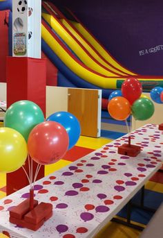 My nephew would love to have a birthday party at a place like this! Who wouldn't want to have a party like this? If I can't convince my sister to throw her son a party like this one, maybe I will throw myself a party just because it looks fun!