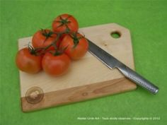 Cutting board with linseed oil and beeswax finish by Atelier Unik-Art