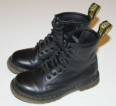 Dr Martens DELANEY Junior Lace-up AirWair Bouncing Soles Boots Size UK 10 EU 28 in Clothes, Shoes & Accessories, Kids' Clothes, Shoes & Accs., Boys' Shoes | eBay
