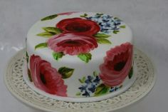I just love this painted roses cake!!