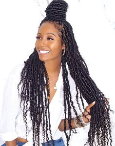 15 Crochet Box Braids Frisuren - My list of women's hairstyles Faux Locs Hairstyles, My Hairstyle, Protective Hairstyles, Protective Styles, Hair Updo, Hairstyles Videos, Hairstyles Pictures, Fancy Hairstyles, Wedding Hairstyles