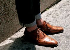 BLUE DENIM + BROWN SHOES // men's fashion blog