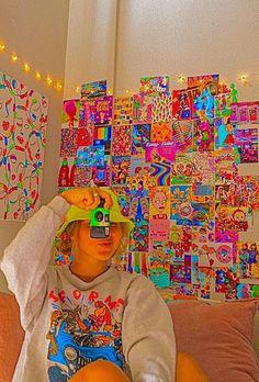 Hippie Wallpaper, Retro Wallpaper, Aesthetic Iphone Wallpaper, Wallpaper Backgrounds, Indie Bedroom, Indie Room Decor, Estilo Indie, Rainbow Aesthetic, Aesthetic Indie