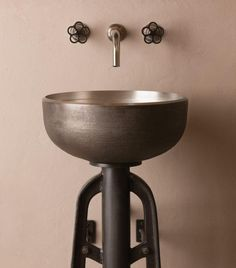 Stone Forest has created a work of art with this industrial style vessel sink and console. The Ore vessel sink is based on the simple form of an antique Kitchen And Bath, Sink, Bathroom Sink, Vessel Sink, White Bronze, Modern Vintage Art, Porcelain Sink, Trendy Bathroom, Green Bathroom