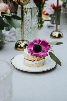 Garden Wedding, Panna Cotta, Romantic, Cake, Ethnic Recipes, Desserts, Food, Wedding Photography, Bridesmaids