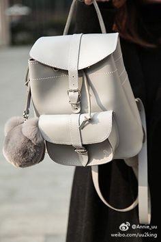 Grafea 兔子包 时尚 街拍 穿搭 可爱 冬天 时尚单品