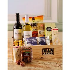 Man Crate Gourmet Hamper, the perfect gift for men who love wine, biltong, chips or crisps, chocolates, nougat and biscuits... Hampers For Him, Xmas Hampers, Wine Hampers, Christmas Hamper, Diy Father's Day Gift Baskets, Diy Father's Day Gifts, Diy Gift Box, Father's Day Diy, Fathers Day Hampers