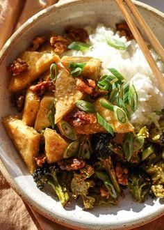Asian Tofu Recipes, Raw Food Recipes, Vegetarian Recipes, Dinner Recipes, Cooking Recipes, Ethnic Recipes, Crispy Tofu, Baked Tofu, Deep Fried Tofu
