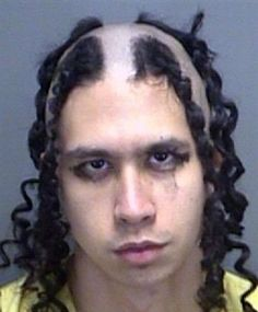 30 of the Worst Mugshot Haircut FAILs You'll Ever See - The internet has generated a huge amount of laughs from cats and FAILS. And we all out of cats. Haircut Fails, Funny Mugshots, Bad Picture, Epic Fail Pictures, Funny Pictures, Curly Girl, Mug Shots, Gangsters, Hair Humor