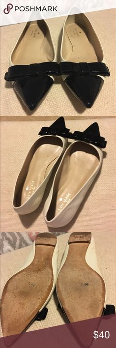 Re posh!! Kate Spade flats Size 8 1/2 Kate Spade flats. Slightly off white and black with a beautiful bow on the toe. True to size!! I'm an 8 and these were too big. Gently used condition. kate spade Shoes Flats & Loafers