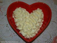Crema de mascarpone si ciocolata alba – Flori's Kitchen Romanian Food, Buttercream Cake, Cream Recipes, Coconut Flakes, Cookie Cutters, Icing, Sweets, Cookies, Desserts