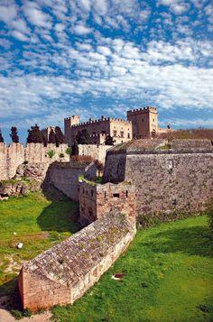 Castle of Rhodes Beautiful Castles, Beautiful Places, Greek Castle, Places Around The World, Around The Worlds, Places To Travel, Places To Visit, Greece Rhodes, Myconos