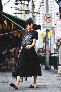 Como Usar Mules com saias e vestidos midi. How to wear flat mules with midi dresses and skirts. Virtuosas com Estilo: 28 Looks com Mules   Como Usar e Escolher