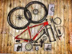 Dnes dorazila dalsia hracka TREK PROCALIBER RACE SHOP LIMITED PROJECT ONE bajkula custom SRAM EAGLE XX1. #bajkula #custom #projectone #trek #bike #crosscountry #super #bike #trekfactoryracing #bajkulabikers #bajkulariders #bajkujemsbajkulou