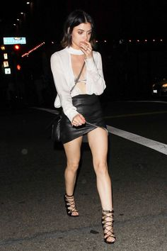 lucy-hale-celebrates-her-28th-birthday-at-viva-hollywood-restaurant-in-la-06-17-2017-7.jpg (1280×1920)