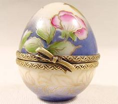 Mini Egg with flowers and gold birds Limoges Box