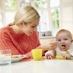 Lo svezzamento è una tappa molto importante nell'alimentazione di un bambino. L'OMS attualmente (e diversamente da qualche anno fa) raccomanda allattament