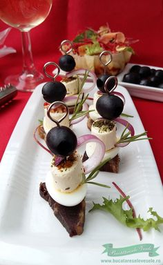 Mini Aperitive Rapide Cooking Time, Cooking Recipes, Party Snacks, Great Recipes, Panna Cotta, Buffet, Food And Drink, Appetizers, Pudding