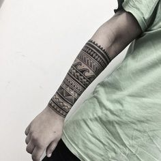 40 Perfect Black and Grey Ink Tattoos for Men Banded tribal sleeve tattoo by Gabriel Chapel Irezumi Tattoos, Marquesan Tattoos, Forearm Tattoos, Body Art Tattoos, Ink Tattoos, Tatoos, Tattoo Tribal, Tribal Sleeve Tattoos, Samoan Tattoo