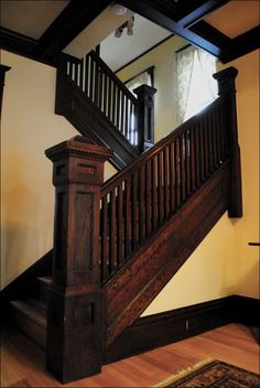 1911 Craftsman Staircase by American Vintage Home. I love craftsman style homes- maybe a future house will be an original or modern take on the craftsman style. Craftsman Staircase, Craftsman Home Decor, Craftsman Interior, Craftsman Style Homes, Craftsman Bungalows, Craftsman Houses, Craftsman Kitchen, Interior Trim, Craftsman Style Interiors