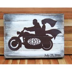 aMonogramArtUnlimited Harley on White Wash Rustic Board Painting Print Letter: R