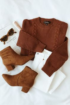 style Tenue Minimaliste Keep it Toasty Brown Cable Knit Sweater Mode Outfits, Trendy Outfits, Fashion Outfits, Fashion Shoes, Warm Outfits, Dress Fashion, Fashion Clothes, Fashion Ideas, Fashion Trends