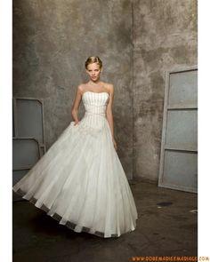 Robe de mariage sans bretelle princesse décorée de plis organza