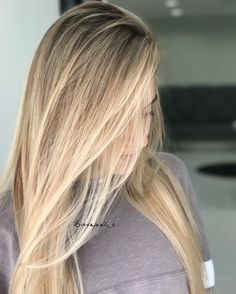 Pin by R Lydia Klug on Hair color inspiration in 2019 Blonde Hair Looks, Dyed Blonde Hair, Balayage Hair Blonde, Light Hair, Gorgeous Hair, Hair Goals, Hair Inspiration, Hair Cuts, Hair Beauty