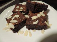 A csokiimádók kedvenc süteménye a brownie. Készítsd el te is ezt a szuper édességet te is ebből a Brownie alapreceptből!